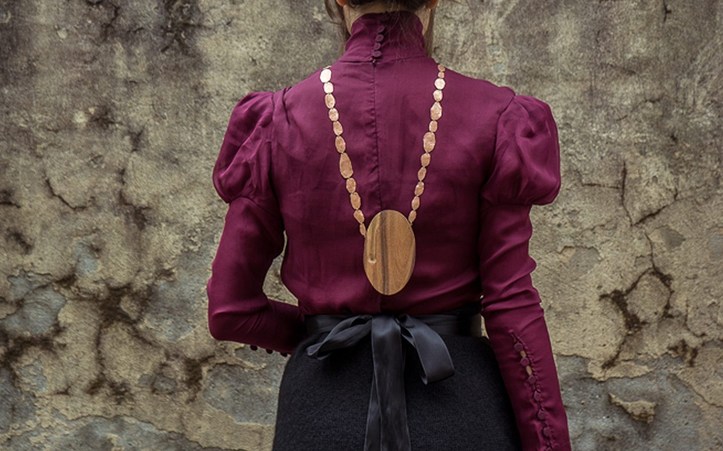 Lavinia Rossetti | Madeleine-001 | 2016 | 7x42-cm | rosewood,copper,-18kt-gold | @Photo Lucy Pato Clark
