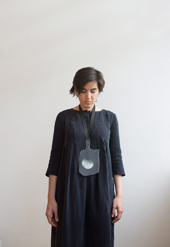 Brenez Catalina   Necklace   2016   marble, resin with graphite, textile   ©Qi Wang